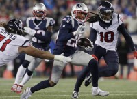 Pats Pool Report: New England preparing for Julio