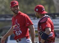 MLB Recaps: Wainwright, Peralta spark Cardinals win