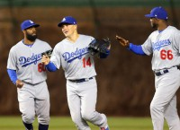 Toles' HR, hustle helps Dodgers past Cubs
