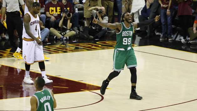 Bradley's 3-pointer gives Celtics huge win over Cavs