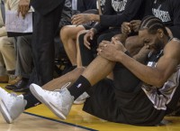NBA Notes: Spurs' Leonard likely out for Game 4