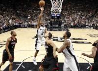 NBA Recaps: Spurs even series; Parker injured