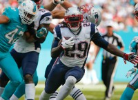 Ex-Pats RB Blount joins Eagles on one-year deal