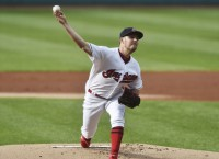 MLB Recaps: Indians' Bauer strikes out 14 in victory