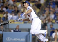 Dodgers' Seager hits 3 HRs in rout of Mets