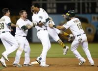 MLB Recaps: Athletics stun Yankees in 10