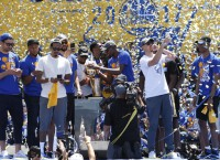 1.5 million attend Warriors' victory parade