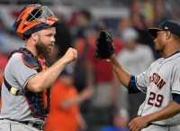 Astros blast Braves, move to 7-0 in interleague play