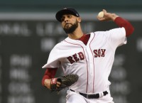 Red Sox blank Yankees to earn doubleheader split