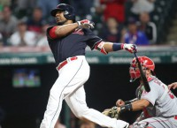 MLB Recaps: Encarnacion's slam lifts Indians in 11