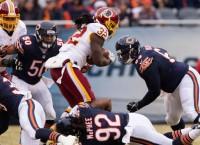 Bears LB Freeman saves man from choking