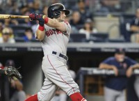 Benintendi's single in 10th lifts Red Sox past Yankees