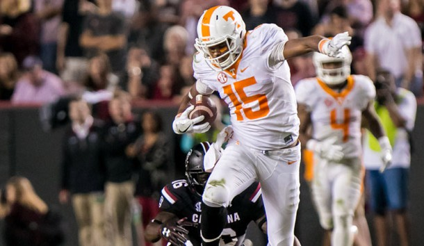 Tennessee WR Jennings dislocates wrist