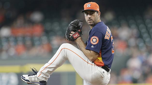 Verlander, bats help Astros clinch AL West title