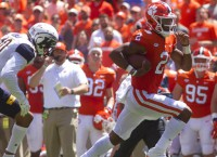 FBS Notes: Clemson's Bryant exits with chest bruise