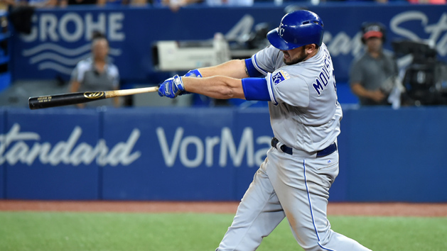 Moustakas hits K.C. record 37th HR in rout of Jays