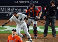 Yankees rally late, even ALCS at 2-2