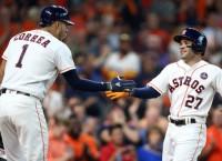 Altuve, Astros blast Red Sox in Game 1