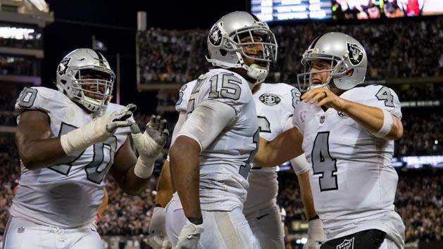 Carr to Crabtree with no time left gives Raiders win