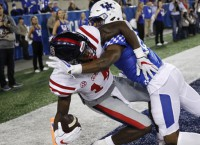 Metcalf's Late-Second TD Catch Helps Ole Miss Win