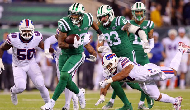 Nov 2, 2017; East Rutherford, NJ, USA; New York Jets running back Matt Forte (22) runs the ball against the Buffalo Bills during the first quarter at MetLife Stadium. Photo Credit: Brad Penner-USA TODAY Sports