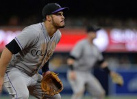 Arenado (7th straight) leads Gold Glove winners