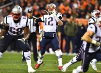 Patriots bury struggling Broncos