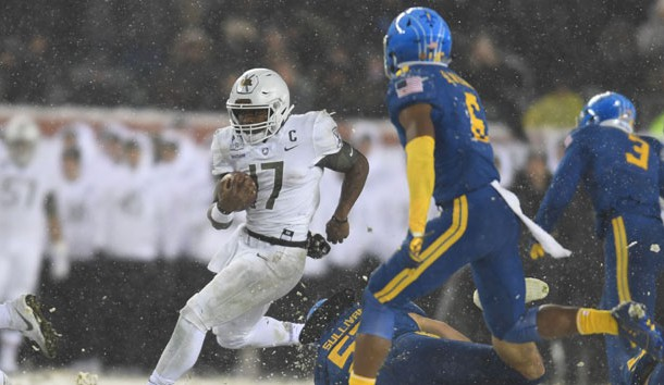 Dec 9, 2017; Philadelphia, PA, USA; Army Black Knights quarterback Ahmad Bradshaw (17) carries the ball against the Navy Midshipmen in the third quarter  of the 118th Army Navy game at Lincoln Financial Field. Photo Credit: James Lang-USA TODAY Sports