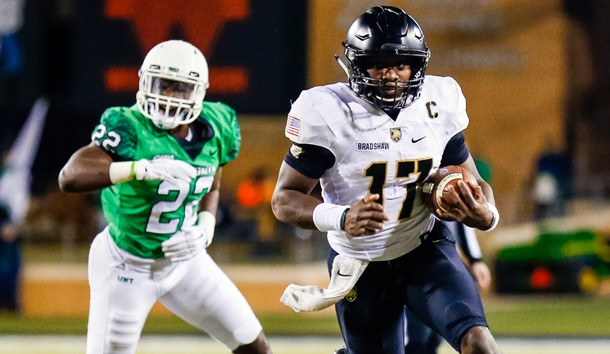 Nov 18, 2017; Denton, TX, USA; Army Black Knights quarterback Ahmad Bradshaw (17) carries the ball for a 15-yard touchdown against the North Texas Mean Green during the first half at Apogee Stadium. Photo Credit: Ray Carlin-USA TODAY Sports