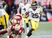 Iowa outlasts BC in chilly Pinstripe Bowl