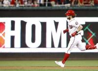MLB Notebook: Nationals begin talks with Harper