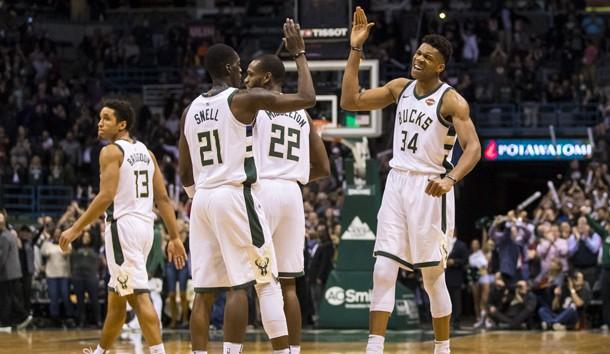Giannis Antetokounmpo Dominates as Bucks Beat LeBron James, Cavaliers