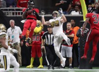 Falcons stop Saints to keep NFC South hopes alive