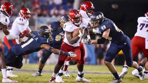 Florida Atlantic runs wild in Boca Raton Bowl rout