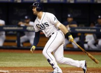 MLB Notebook: Giants acquire All-Star 3B Longoria