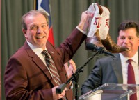Texas A&M confirms 10-year, $75M deal for Fisher