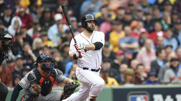 MLB Notebook: Red Sox re-sign 1B Moreland
