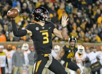 Missouri QB Lock staying in school one more year