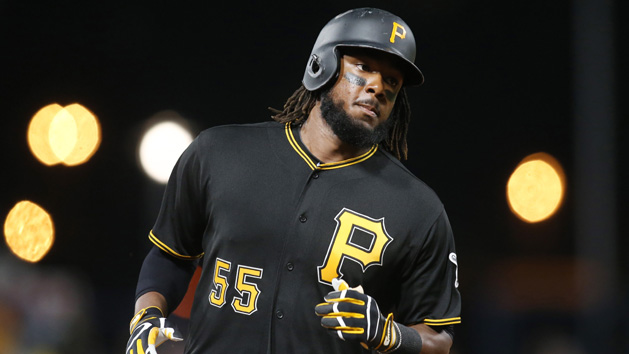 Nationals acquire 1B Bell from Pirates