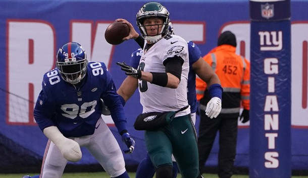 Dec 17, 2017; East Rutherford, NJ, USA;  Philadelphia Eagles quarterback Nick Foles (9) throws a pass against the New York Giants in the second half at MetLife Stadium. Photo Credit: Robert Deutsch-USA TODAY Sports