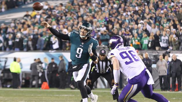 NFL Notebook: Eagles QB Foles back at practice