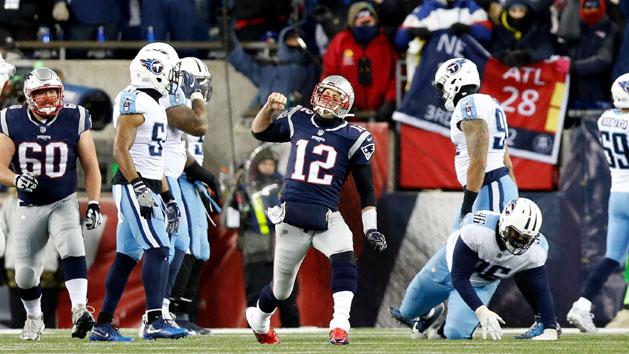 Patriots way too good, rout Titans 35-14