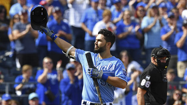 Former Royals 1B Hosmer agrees to deal with Padres