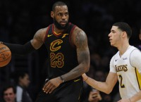 Cavaliers look to get well against slumping Suns