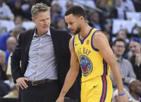 Warriors, sans Curry, hosts Lakers