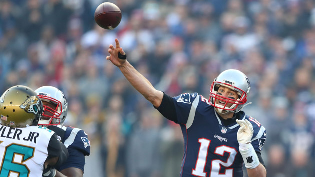 NFL Notes: Pats believe Brady, Gronk will be back