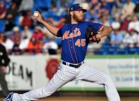 Red-hot Mets try for sweep of Marlins