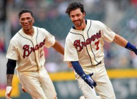 Braves, Phillies battle for top spot in NL East