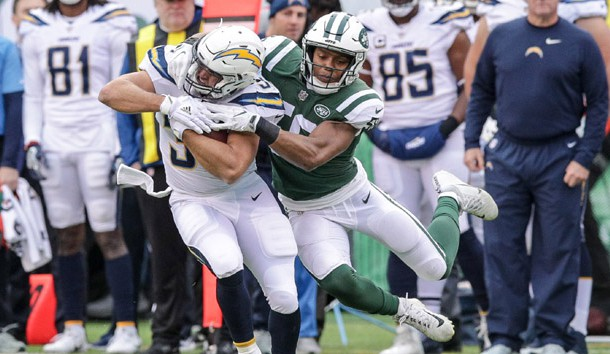 Dec 24, 2017; East Rutherford, NJ, USA;  Los Angeles Chargers tight end Sean McGrath (84) is tackled by New York Jets inside linebacker Darron Lee (58) during the first half at MetLife Stadium. Photo Credit: Vincent Carchietta-USA TODAY Sports