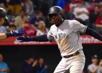 Gregorius injury overshadows Yanks' wild-card battle